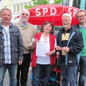 Danke-Infostand nach der erfolgreichen Landtagswahl