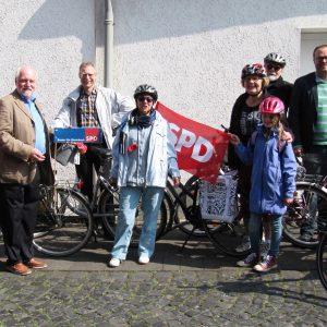 Sozialdemokraten fahrenam 1. Mai nach Heimerzheim
